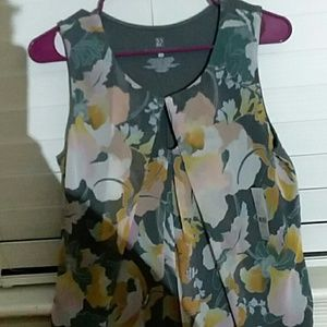 NWT, NY and Co, floral patterned top